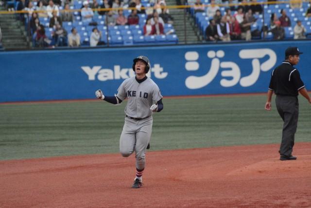 1102早稲田① 9回にソロ本塁打を放った齋藤