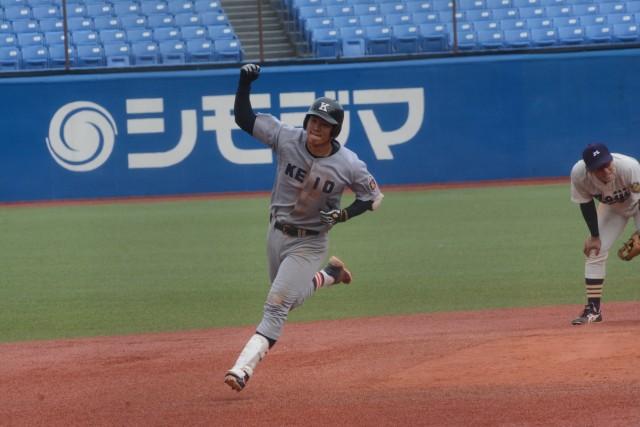 0922明大①決勝の本塁打を放った嶋田